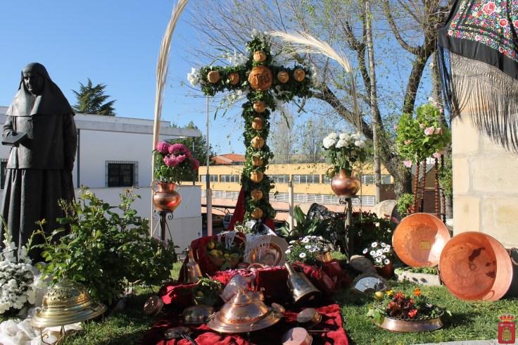 3 CRUZ. GANADORA, Cruz Antiguas alumnas de Santa Ángela de la Cruz a